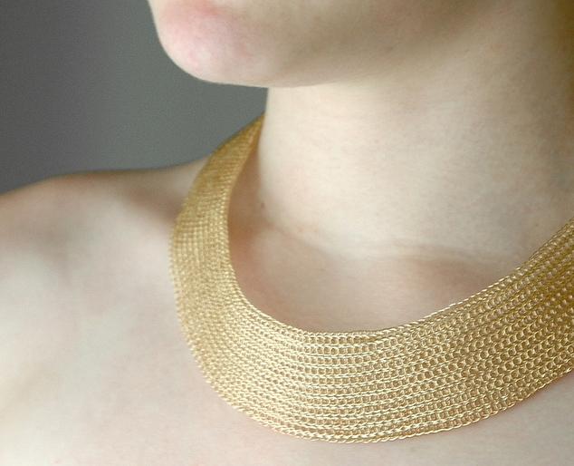 8590b5ebe2ec Los precios del collar de gargantilla de oro. Muchas gargantillas de oro de  hebra simple pueden costar menos de   100. Pero para gargantillas con  diseños ...