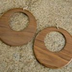 Aretes caseros de madera