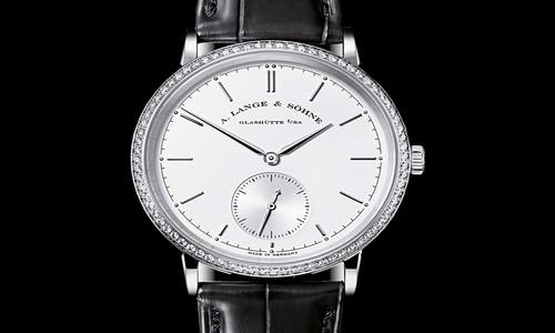 Todo el lujo en el reloj Saxonia Automático