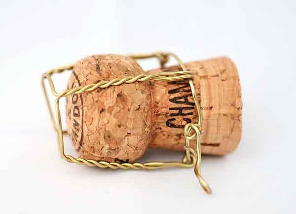 Champán con virutas de oro comestible. Detalle con mucho glamour para bodas y otras celebraciones