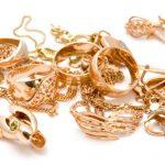 Conceptos de básicos de la joyería de oro y plata